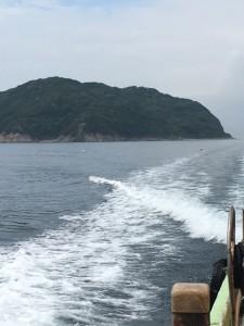 帰る船からの無人島